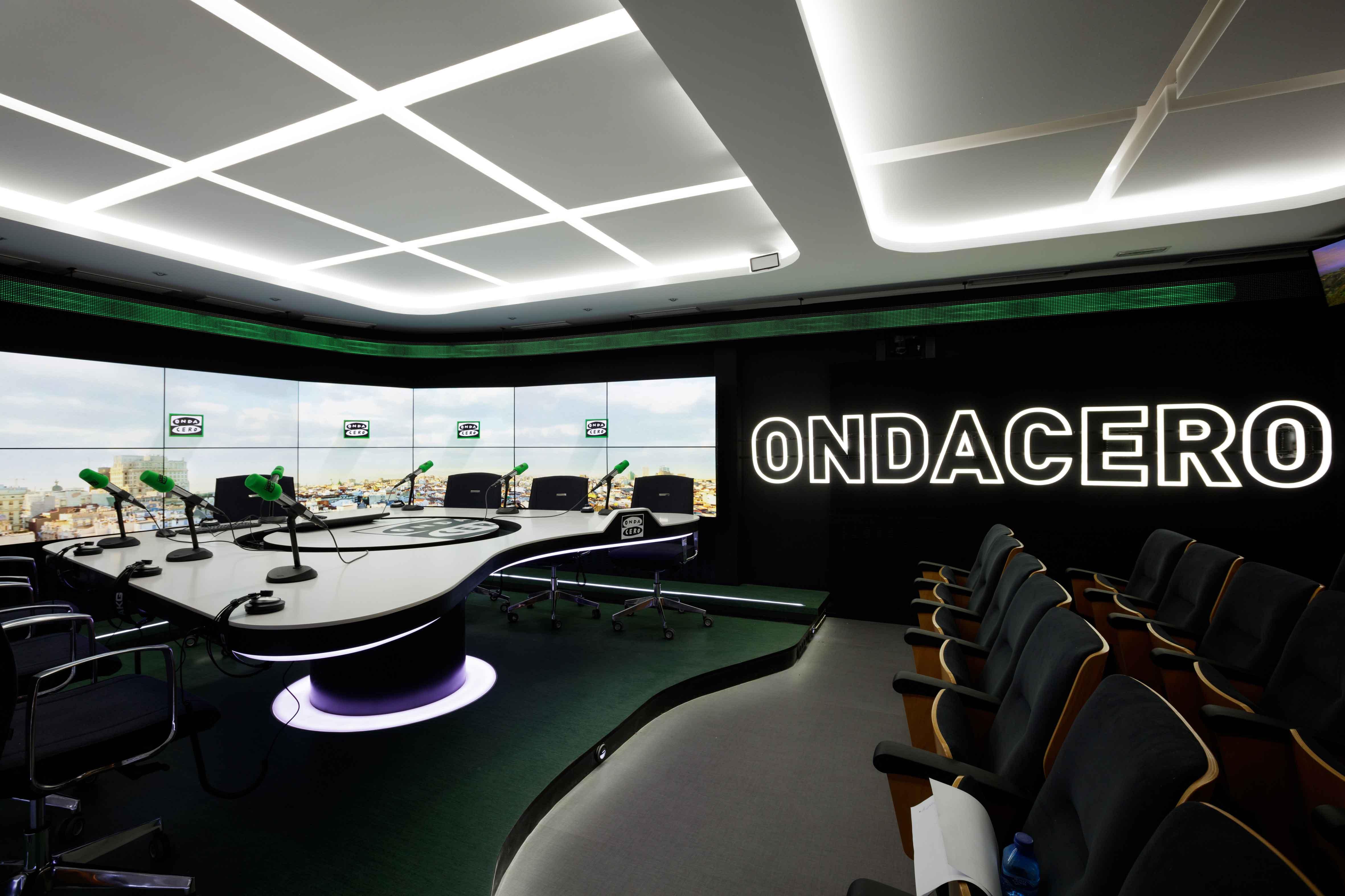 Iluminacion Led - Estudio OndaCero Radio - LuzyLed